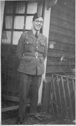 William (Bill) Saville 102 Squadron Ground Crew